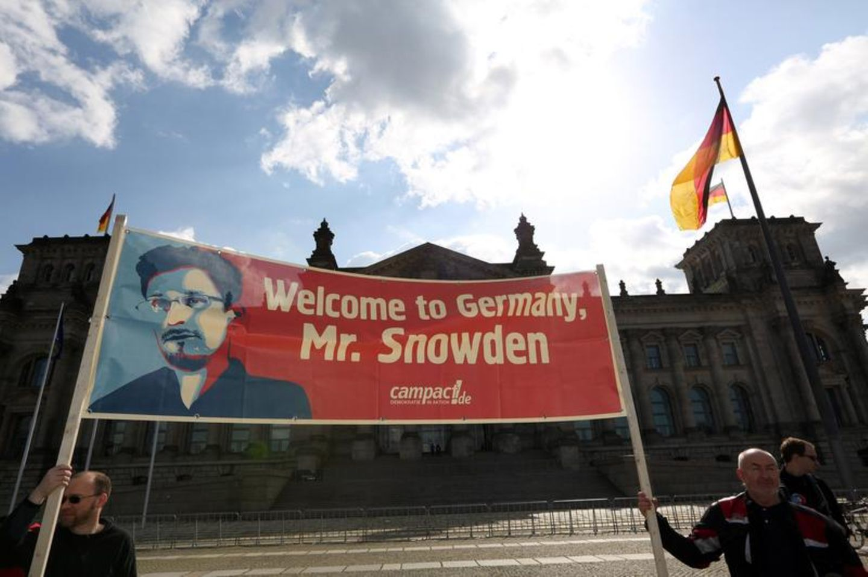 Der Investigativ-Blog: Gutachten zur Befragung von Snowden illegal?