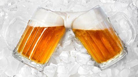 Cooler Trick: So wird Ihr Bier in zwei Minuten kalt
