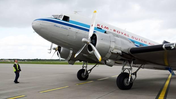 Douglas DC-3 am Boden