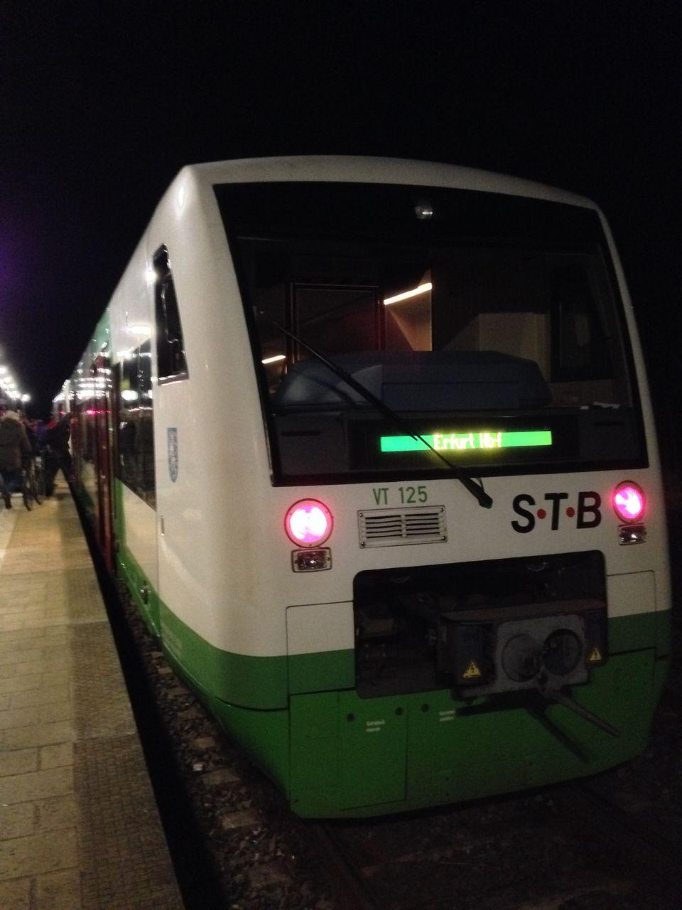 Neulich im Auto: Der Schein trügt: Dieser Zug wird nicht nach Erfurt fahren