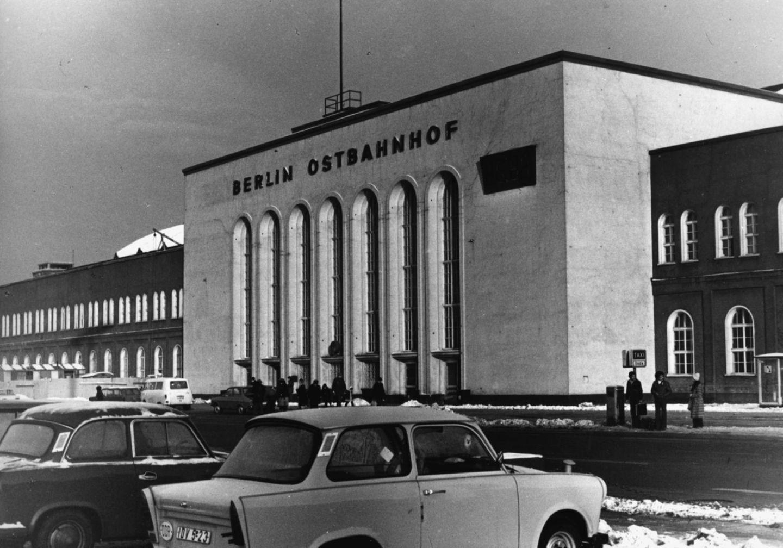 Der Berliner Ostbahnhof, der bis 1950 Schlesischer Bahnhof hieß