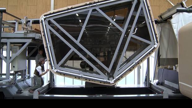 Die Außenhülle des Wikkelhouse besteht aus 24 umwickelten und miteinander verklebten Pappschichten