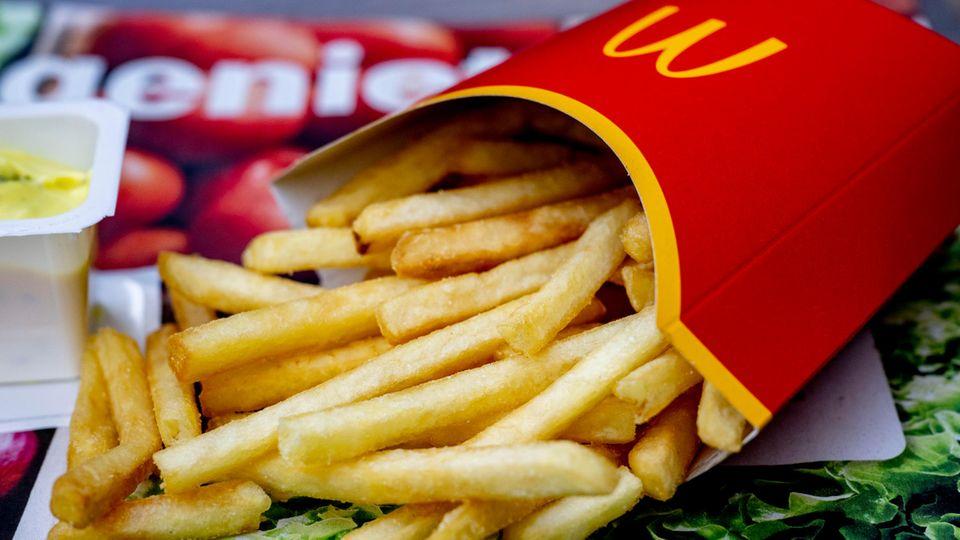 McDonald's: Mitarbeiter essen für acht Euro?