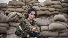 Freiwillige Kämpferinnen sind die Aushängeschilder der kurdischen Kämpfer