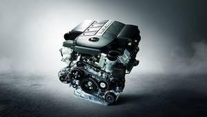 Der Fünfliter-Mercedes-Motors (M 113 E50) hat 306 PS