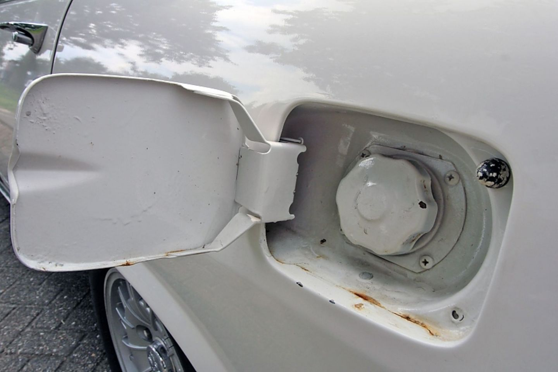 10,8 Liter Benzin verbraucht er theoretisch auf 100 Kilometern.