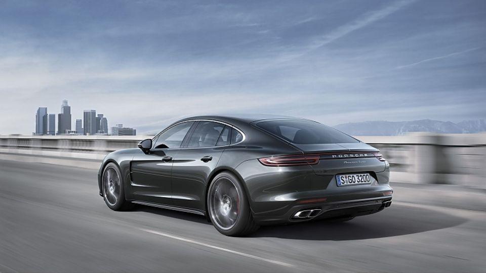 Bis zu 306 km/h ist der Porsche Panamera Turbo schnell.