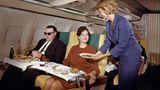 In der First einer Boeing 707 der Lufthansa