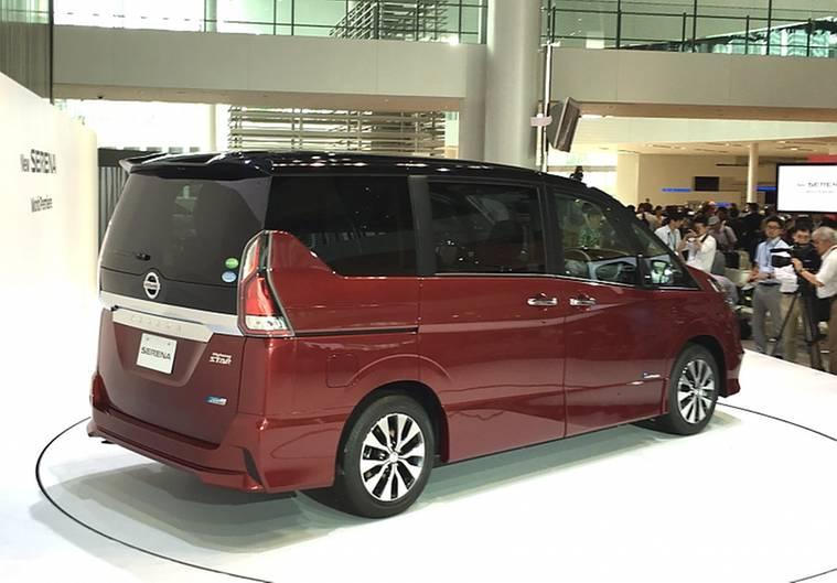 Nissan Serena S-Hybrid 2016 - 4,70 Meter lang