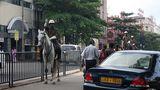 Immer mit einem Auge auf der Geschwindigkeit: die Polizei von Sri Lanka.