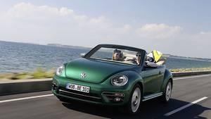 Das New Beetle Cabrio des Modelljahres 2017 hat ein paar Verbesserungen erhalten