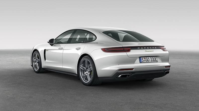 Porsche Panamera 4 E-Hybrid - beide Triebwerke leisten zusammen 462 PS und 700 Nm