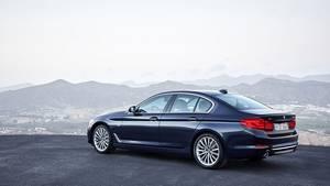 Der BMW 5er ist 4,94 Meter lang