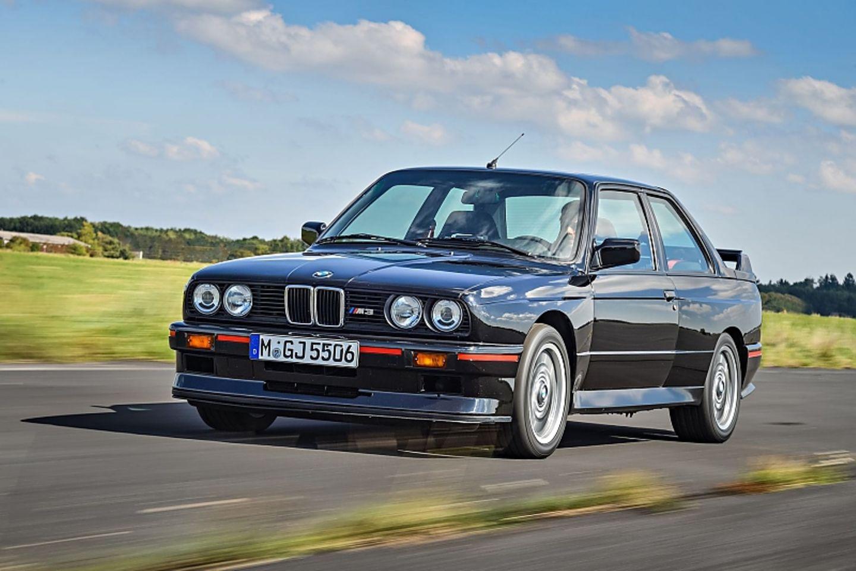 Der BMW E30 M3 Sport Evolution war nur in Brillantrot und Glanzschwarz erhältlich