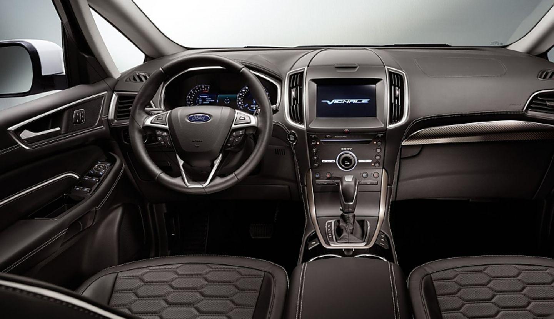 Bei Ford wirkt das Lenkrad überladen