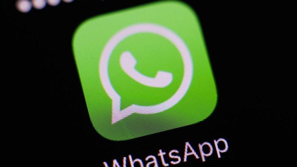 Facebook hat die Weitergabe und Nutzung von WhatsApp-Daten ausgesetzt