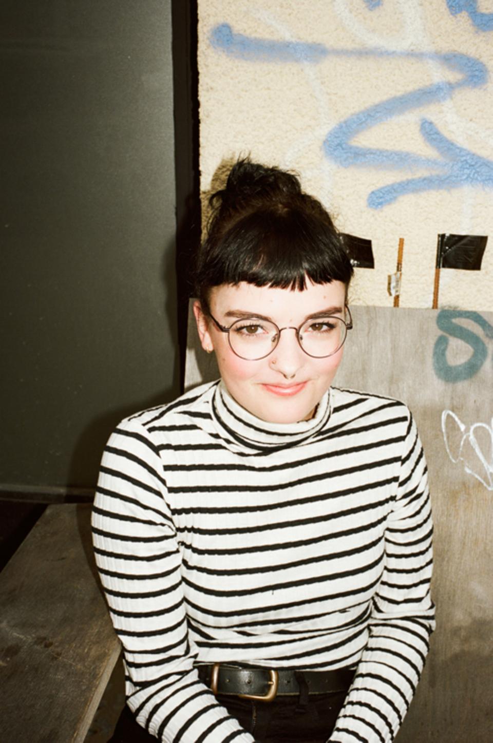 Politik: Erasmus-Studentin Lena, 21, aus England, hat gerade eine WG in Neukölln gefunden.