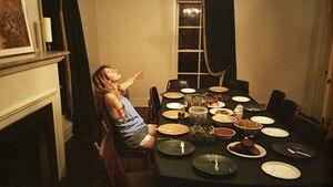 Entspannte Feier: Bei einer Dinnerparty kann man Freunde verwöhnen