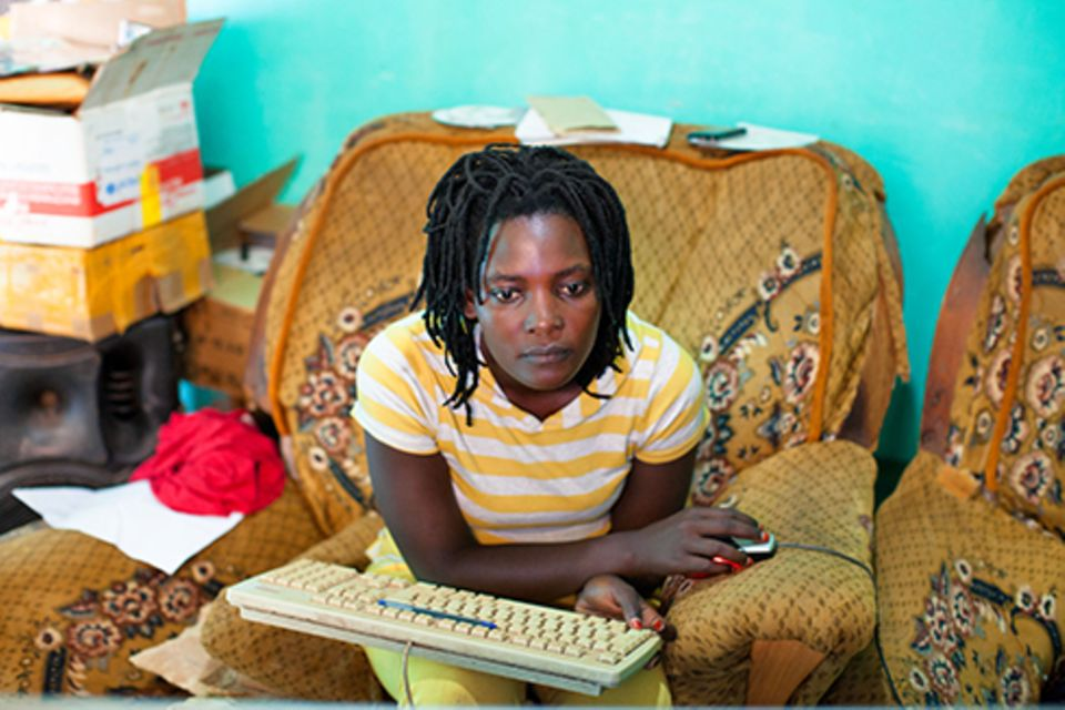 Zuhause: Harriet, Isaacs Frau, hält als Managerin die Gruppe beisammen und produziert auch selbst Filme