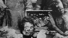 Das Foto zeigt Kannibalen aus der Wolgaregion im Jahr 1921. Die Wirren des Bürgerkrieges und die Hungersnöte führten zu einer Verbreitung kannibalischer Praktiken.