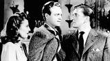 """1946 übernahm er seine erste Filmrolle. In dem Noir-Drama """"Die seltsame Liebe der Martha Ivers"""" übernahm Kirk Douglas die Rolle eines alkoholabhängigen Lokalpolitikers, der seiner von Barbara Stanwyck gespielten Ehefrau in einer krankhaften Hassliebe verbunden ist."""
