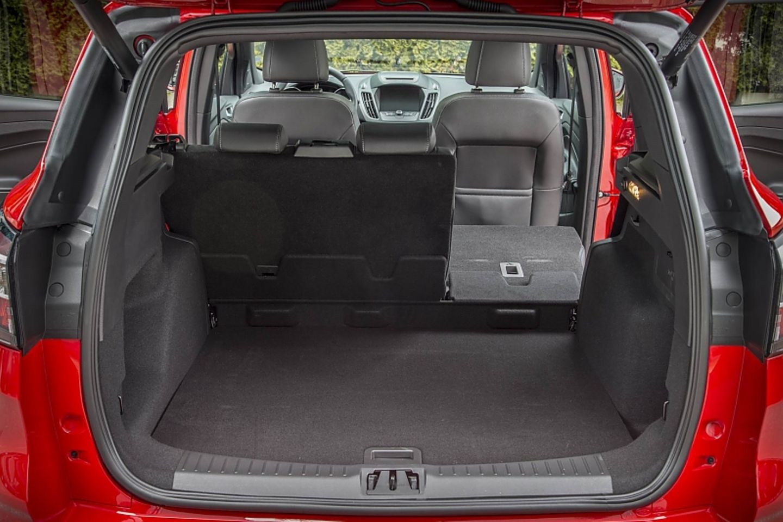 Der Kofferraum hat ein Volumen zwischen 406 bis 1.606 Liter - 50 weniger als bei den frontgetriebenen Modellen