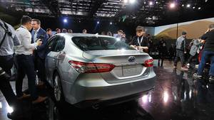 Toyota Camry 2018 - sieht besser aus je zuvor