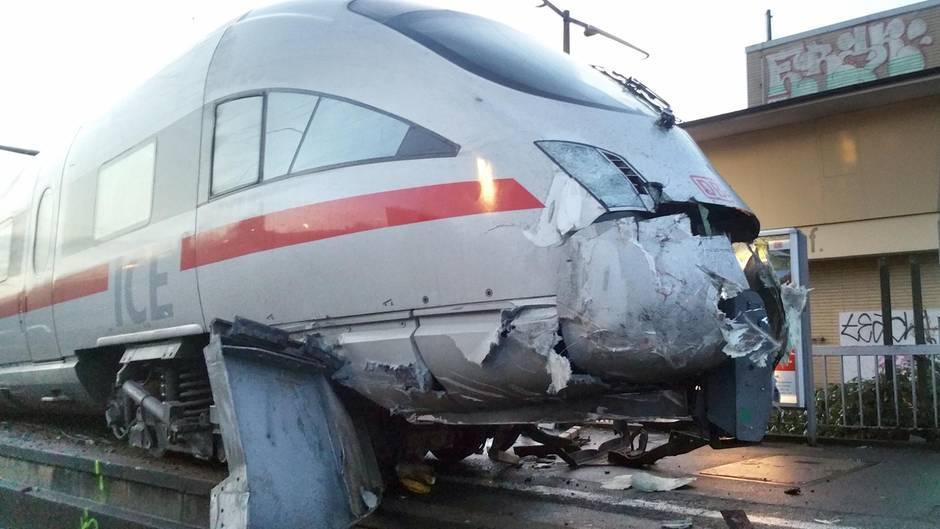 Der Zug fuhr auf einen Prellbock auf und entgleiste. Ein Teil des Zuges blieb intakt. Foto: Bundespolizei