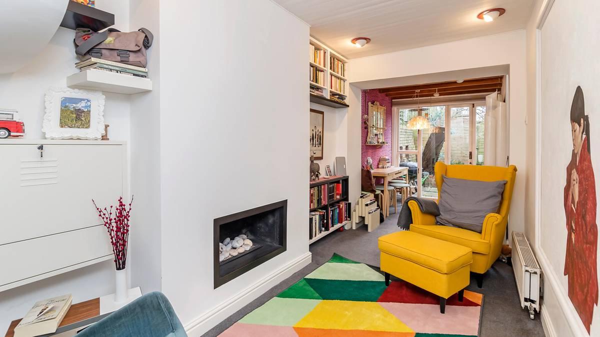 dieses haus ist zwei meter breit und kostet eine million ein schn ppchen. Black Bedroom Furniture Sets. Home Design Ideas