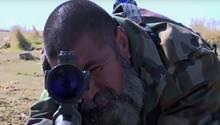 """Abu Tahseen fühlt sich bei seiner """"Arbeit"""" erschreckend wohl."""