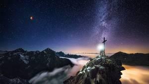 Sternbilder - Die Alpen bei Nacht