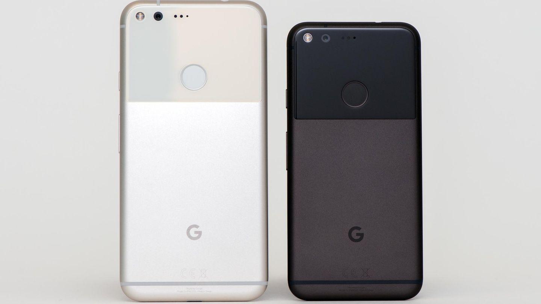 """Die Rückseiten der Google Smartphones """"Pixel"""" und """"Pixel XL"""""""