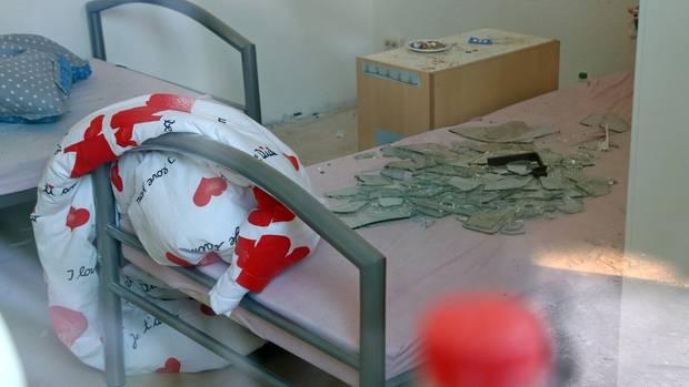 Anschlag auf Syrer: Handgroße Scherben flogen durch die Luft