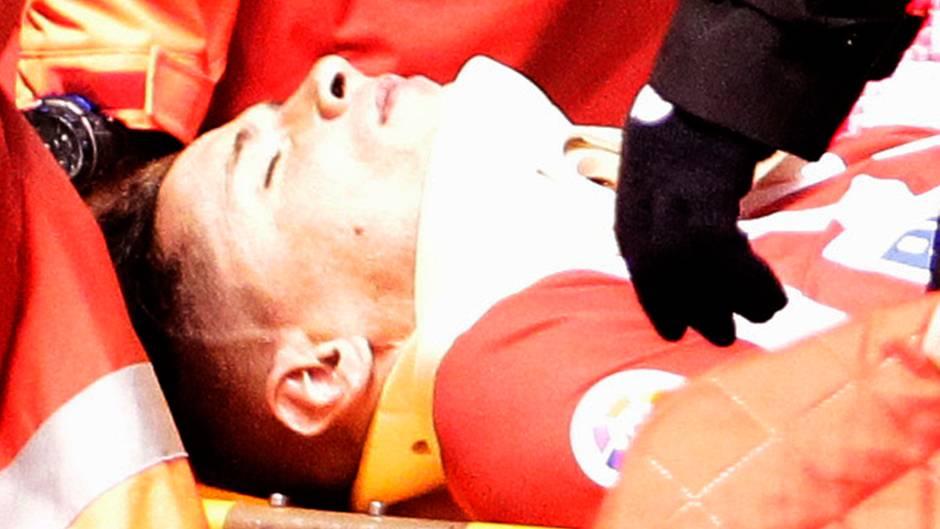 Fernando Torres musste ins Krankenhaus gebracht werden