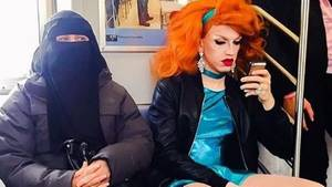Frau mit Niqab und transsexuelle Frau
