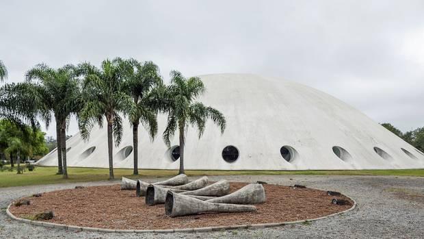 Der Central Park von São Paulo: Im Parque do Ibirapuera steht der runde Oca des brasilianischen Architekten Oscar Niemeyer
