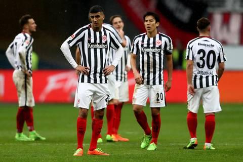 Fußball-Bundesliga: Freiburg schießt Frankfurt tiefer in die Krise
