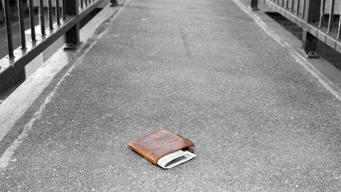 Geld auf der Straße verloren