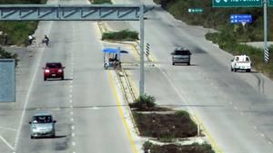 Nahe einer Autobahn in Mexiko lief auf einmal ein Porno auf einer Werbetafel (Symbolbild)
