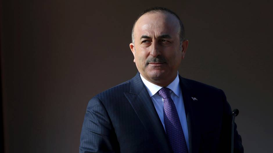Mevlüt Cavusoglu will in Hamburg für die Einführung eines Präsidialsystems in der Türkei werben