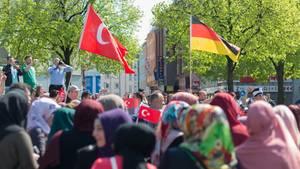 Die deutsch-türkische Gemeinde in Deutschland wird von der Erdogan-Frage gespalten (Symbolbild)