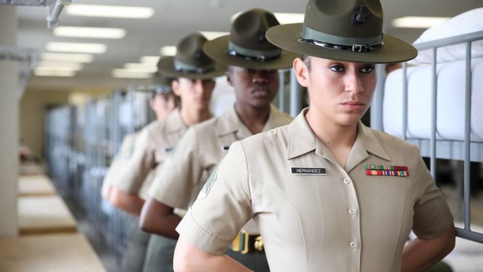 Der Skandal wirft die Bemühungen der USA zurück, Frauen gleichberechtigt in der Truppe zu beschäftigen.