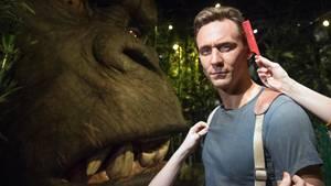"""Zum Kinostart von """"Kong: Skull Island"""" stehen Hauptdarsteller Tom Hiddleston und King Kong bereits im Londoner Madame Tussauds"""