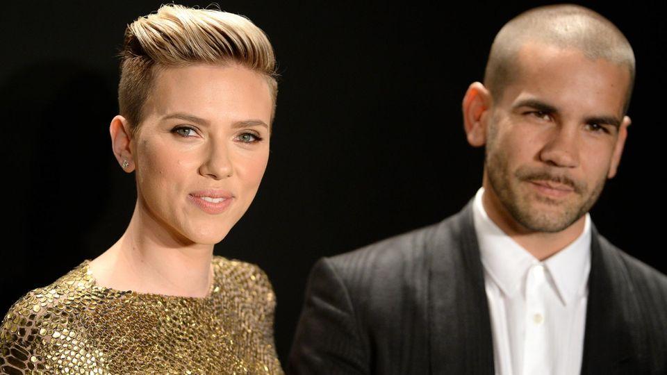 Scarlett Johansson und Romain Dauriac