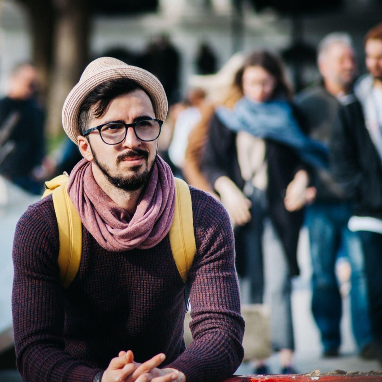 Flirten mit Vergebenen: Wie ein No-Go funktionieren kann
