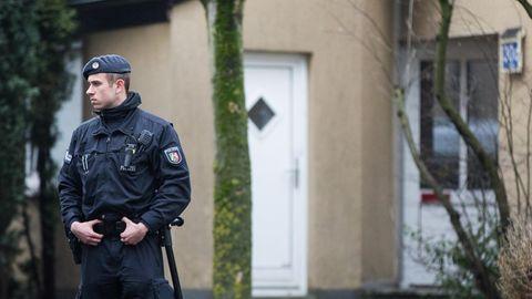 Die Leiche des Neunjährigen wurde im Keller eines Reihenhauses in Herne gefunden. Der Täter ist auf der Flucht.