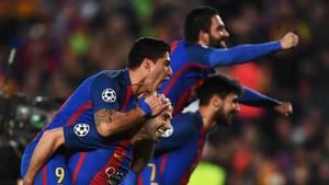 Die Barca-Spieler feierten nach dem Last-Minute-Sieg gegen PSG