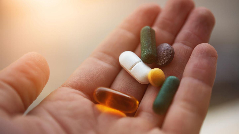 Nur einige wenige Nahrungsergänzungsmittel lohnen sich zu schlucken