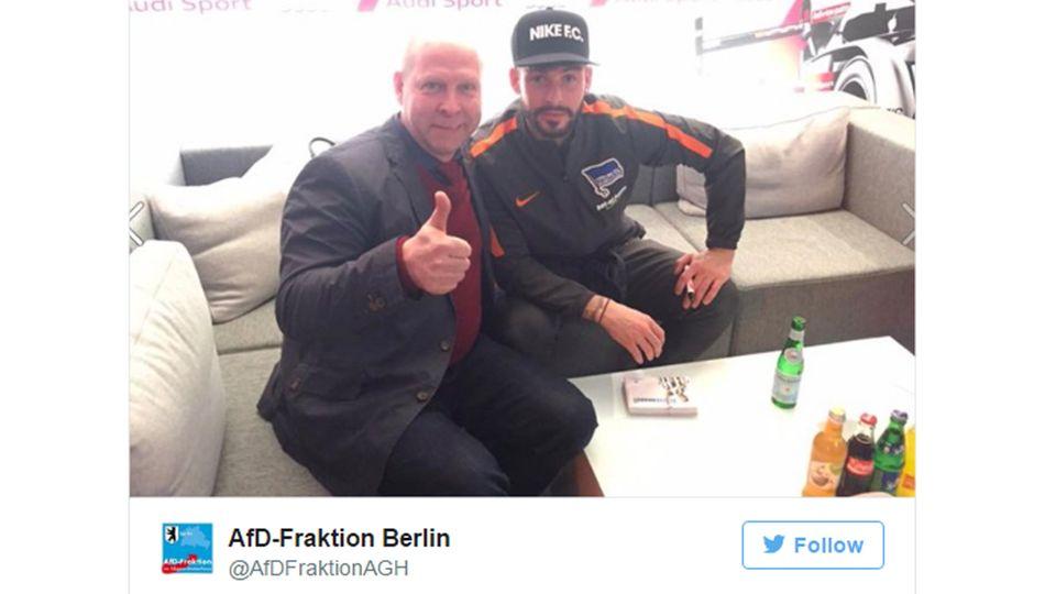 Hertha BSC hat der AfD im Streit um das Twitter-Foto mit Marvin Plattenhardt ein Ultimatum gesetzt