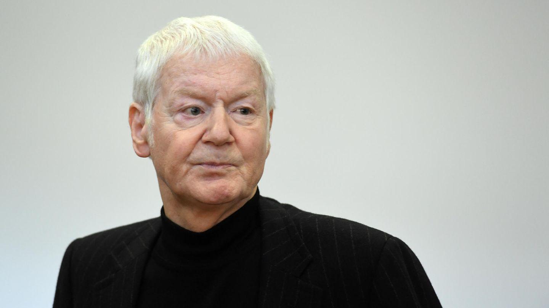 Der ehemalige Drogeriekettenbesitzer Anton Schlecker im Landgericht in Stuttgart.